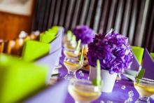 Zasedací pořádek na svatební hostinu