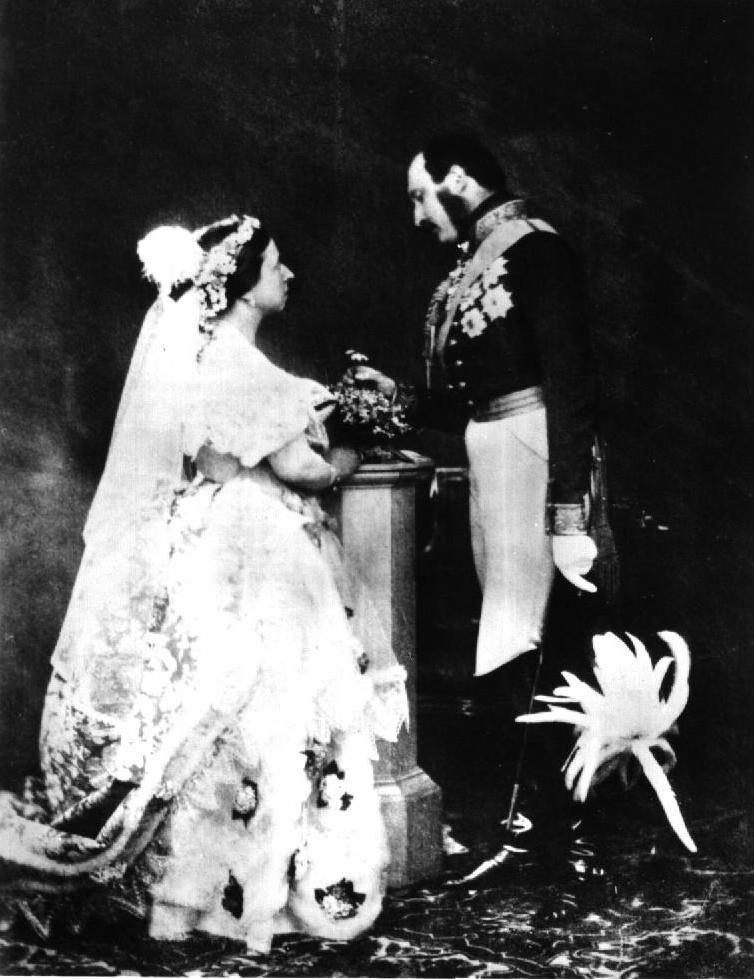 První svatební fotografie